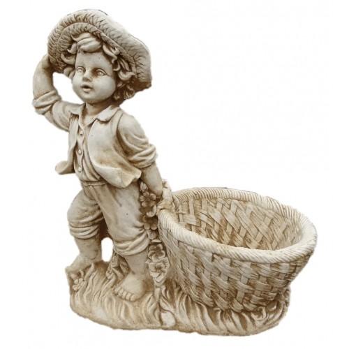Chłopiec w kapeluszu z koszem Art.732