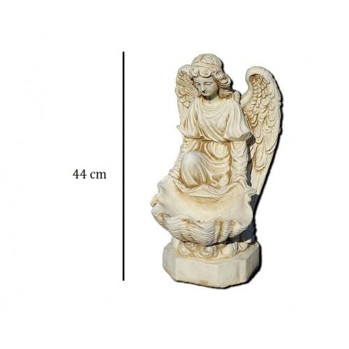 Anioł z muszlą na wodę Art.725