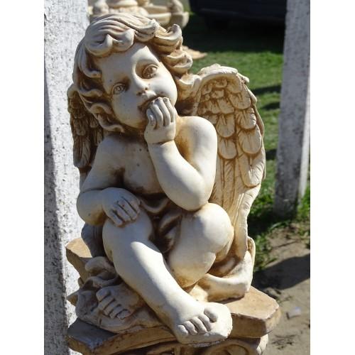 Zamyślony aniołek Art. 701