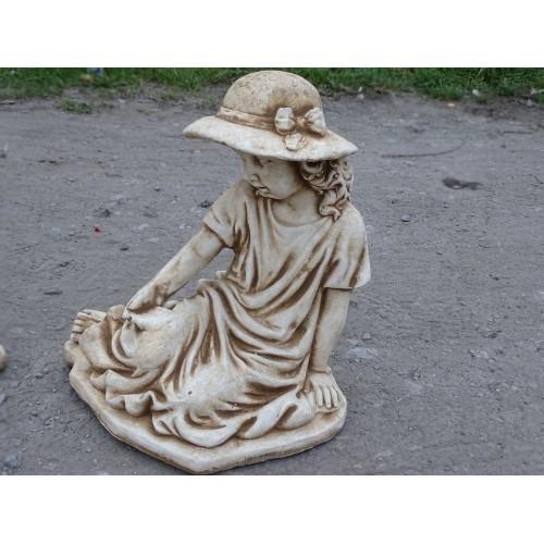 Dziewczynka w kapeluszu Art. 713