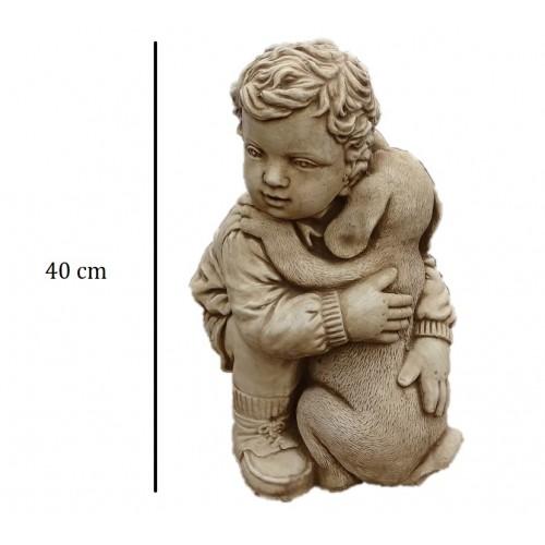 Chłopiec tulący pieska Art.741